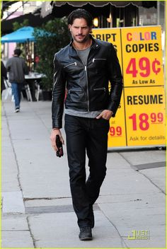 Joe Manganiello Photo: February Strolling through Los Angeles True Blood Alcide, Joe Manganiello True Blood, Gorgeous Men, Beautiful People, Eric Northman, Raining Men, Harrison Ford, Christian Bale, Christian Grey