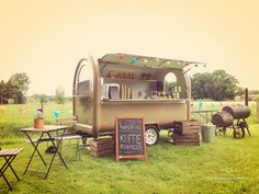 Foodtrailer, foodtruck, tuinfeest