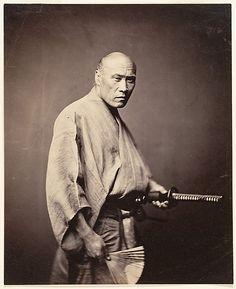 Samurai in Yokohama, ca. 1866 by Felice Beato. Rare photo of true samurai. Approximately two years after this photograph was taken, the samurai were abolished. Japanese History, Japanese Culture, Japanese Art, Rare Photos, Vintage Photographs, Old Photos, Geisha, Bushido, Photo Vintage