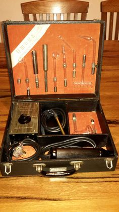 Unusual Omega machine from the 1920s....looks to share componentry with Radiostat/Radiolux machines.