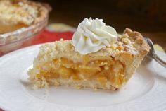 Slice of custard peach pie with whipped cream Best Peach Pie Recipe, Peach Pie Recipes, Lemon Recipes, Peach Custard Pies, Fresh Peach Pie, Pie Dessert, Dessert Recipes, Cake Recipes, Dessert Ideas