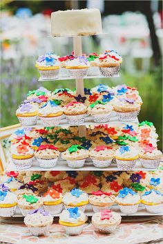 wedding cupcakes- nothing plain and boring about these!