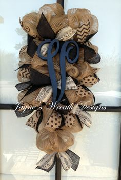Burlap Door Swag/ wreath with chevron, polka dot and music note ribbon with Init. Sackleinen Tür S Burlap Swag, Burlap Wreaths, Mesh Wreaths, Burlap Projects, Burlap Crafts, Wreath Crafts, Music Notes Decorations, Christmas Wreaths To Make, Craft Show Ideas