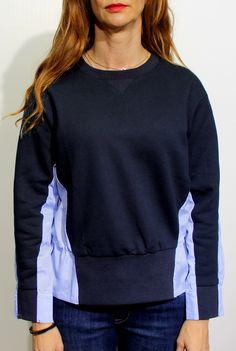 Sudadera navy en color azul marino con espalda camisera en color contraste azul clarito drapeada de English Factory Tienda online   Moda mujer y hombre
