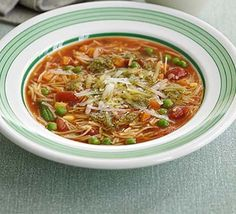 Minestrone in minutes! Whip up a main-meal soup in next to no time, perfect for a quick lunch and ready in just 10 minutes Calories per serve) Bbc Good Food Recipes, Veg Recipes, Great Recipes, Vegetarian Recipes, Cooking Recipes, Healthy Recipes, Healthy Meals, Salad Recipes, Recipies