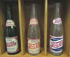 Old Glass Bottles, Antique Bottles, Soda Bottles, Bottles And Jars, Drink Bottles, Water Bottles, Old Advertisements, Advertising, Soda Machines