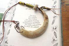 Souffle Sur La Peau : Un collier primitif par annemarietollet