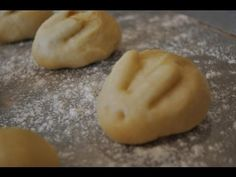 Easter bunny rabbit dinner rolls recipe how to make dough bunnies! Try a different shape for Thanksgiving dinner.