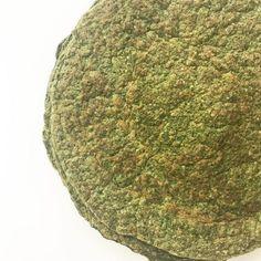RAPIDITAS DE ESPINACA (Ideales para hacer canelones/wraps/tacos) Necesitas (Rinde 4 rapiditas gruesas: 2 porciones) 1 taza de espinaca hervida y escurrida. 2 cucharadas soperas de salvado de avena (reemplazable por cualquier harina que utilicen. Sin TACC: les recomiendo la de trigo sarraceno. Si quieren hacerla baja en hidratos pueden utilizar harina de almendras/coco/lino). 2 huevos y 2 claras. una pizca de sal. una pizca de polvo de hornear. una pizca de ajo en polvo. ...