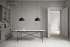 Discover high end dining tables in circle, rectangle and various artistic shapes & modern design. Shop now on Clippings - where leading interior designers buy furniture and lighting! Design Scandinavian, Scandinavian Living, Tile Top Tables, Nordic Living Room, Dining Table Design, Dining Tables, Dining Rooms, Hotel Decor, Living Room Inspiration