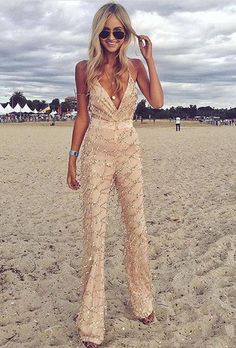 A beige jumpsuit with long sequin features! We love this look for a fall … A beige jumpsuit with long sequin features! We love this look for a fall wedding outfit. Fall Wedding Outfits, Fall Outfits, Wedding Jumpsuit, Wedding Pants, Wedding Gowns, Wedding Venues, Jumpsuits For Women, Fashion Jumpsuits, Event Dresses