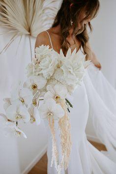 White Wedding Flowers, Floral Wedding, Wedding Colors, White Bridal, Orchid Bridal Bouquets, Bride Bouquets, Beckham Wedding, Cream Wedding, Orlando Wedding