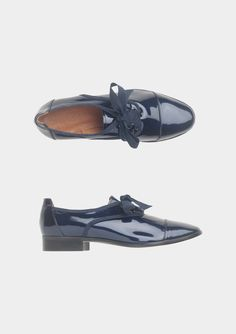GROSGRAIN-LACED OXFORD | TOAST. You know that thing where the world is full of gorgeous shoes that you can't have? Yeaah.