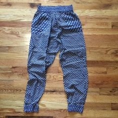 Urban Outfitters Lounge Pants Super comfy with elastic waist! Can be dressed up or down. 100% cotton size small Urban Outfitters Pants