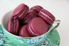 an interesting blog all about macarons...must revisit