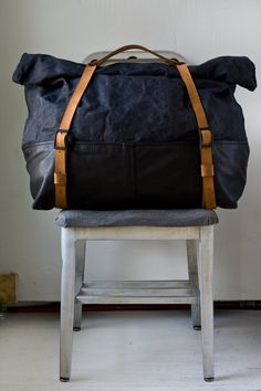 Large Canvas and Leather Overnight Weekender Bag in Soft Leather and Waxed Canvas with Leather Straps
