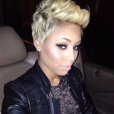 So about last night's look.... @kashbarb | #thecutlife #shorthair #blonde #selfie #style #beauty #stunner ✂️ #Padgram