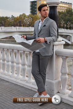 Men Fashion Guidance: Best branded chinos to buy right now. Best brand chinos under Chinos are more neutral but still sophisticated for you. Costumes En Tweed, Costumes Slim, Sport Chic, Stylish Men, Stylish Outfits, Men Casual, Style Gentleman, All Black Suit, Expensive Suits