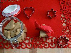 Para quem gosta de oferecer presentes personalizados pelo Natal, estas bolachinhas vão ser um sucesso