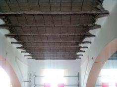 Demolición  Picado de bovedillas de hormigón, y picado de viguetas hasta localización de armaduras
