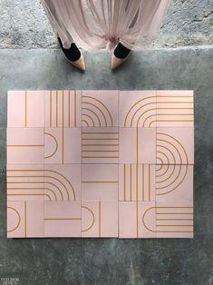 Sarah Sherman Samuel's Arch, 5 Stripe, Circle + Stripe, and Stripe tiles in tinted concrete by Concrete Collaborative. Geometric Tiles, Geometric Patterns, Tile Patterns, Textures Patterns, Tile Design, Pattern Design, Interior Design Magazine, Carpet Tiles, Home Decor Store