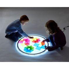 Färgade plastark till ljusbord - Lekolar Sverige Overhead Projector, Reggio Emilia, Light Table, Kids Education, Montessori, Arts And Crafts, Inspiration, Experiment, Tips