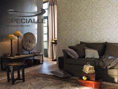 #Tapiz de #Vinil con base de Papel Liso, en color #Gris Claro y Tapiz de Vinil con base de Papel con Diseño de #Damascos, en color #Beige con detalles en #Café y Gris.