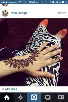 Love this henna Mehandi Henna, Jagua Henna, Mehndi Tattoo, Henna Tattoo Designs, Mehndi Art, Henna Art, Mehndi Designs, Henna Tattoos, Mehendi