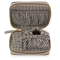 Gifts For The Frequent Flyer Every Traveler Will Love//#8 Henri Bendel West 57th travel Jewelry Case #rankandstyle