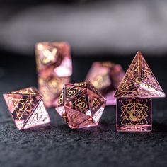 Dungens And Dragons, Dungeons And Dragons Dice, Dragon Dies, Glass Gemstone, Cosplay Tutorial, Vinyl Toys, Tabletop Games, Shadowrun, Pen And Paper