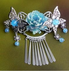 L Asian Hair Accessories, Jewelry Accessories, Hair Jewelry, Jewelry Art, Jewellery, Ancient Jewelry, Fantasy Jewelry, Hair Sticks, Hair Ornaments