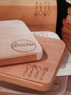 DIY Bread Boards. This is so totally something I would do!