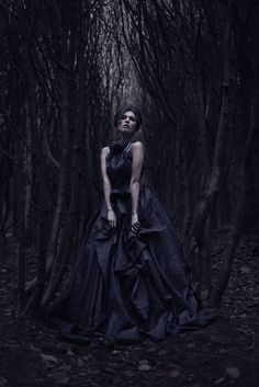 darkbeautymag:  Photographer: Stuart HendersonDesigner: Chris NiariHair/Makeup: Maxine AyreModel: Maz Ulvants