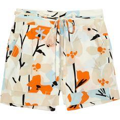 Diane von Furstenberg Jansen printed silk shorts (576.620 IDR) ❤ liked on Polyvore featuring shorts, bottoms, pants, short, cream, colorful shorts, loose fit shorts, high-rise shorts, loose high waisted shorts and silk short shorts