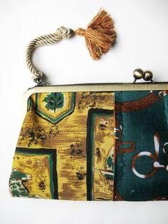 Vintage scarf Clutch /no,003 - Akane Ichikawa イギリスのヴィンテージカーテンとUSAヴィンテージスカーフを使ったクラッチバッグです♪ ジャポニズム展・バレエリュス展(世田谷美術館、六本木美術館)で、販売されて好評でした。