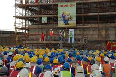 Fantastic to see workers being encouraged to 'pin on' while working at height