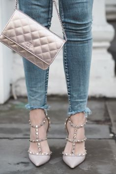 One Teaspoon jeans, Valentino Rockstud heels and a Rose Gold Chanel WOC