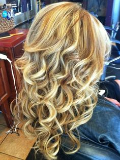 I want those curls!  Maybe straight @ ends? Anyone know what this type of perm is called?