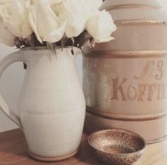 vintage coffee tin repurposed as dog food container. Meghan Markle Toronto, Nottingham Cottage, Elephant Teapot, Suits Actress, Custom Closet Design, Dog Food Container, Australia House, Classy Aesthetic, Vintage Coffee