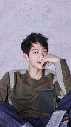 """Song Joong Ki photographed for Harper's Bazaar China "" Daejeon, Song Hye Kyo, Song Joong Ki Cute, Park Bogum, K Drama, Songsong Couple, Song Joon Ki, Yoo Ah In, Handsome Korean Actors"