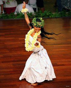 Lovely Hula Hands.....dance