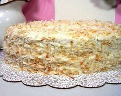 Prajitura Lady este foarte simpla si gustoasa. Acesta este un desert apreciat de zeci de gospodine si cu siguranta nu veti regreta daca o veti… Romanian Desserts, Romanian Food, Sweet Recipes, Cake Recipes, Dessert Recipes, Party Finger Foods, Sweet Tarts, Food Cakes, Cakes And More