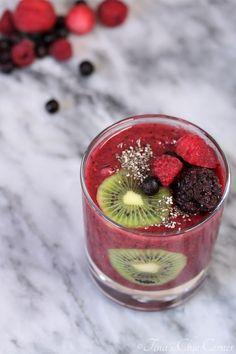 Berry Kiwi Smoothie – Tina's Chic Corner