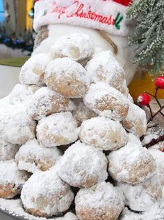 Christmas Cooking, Christmas Time, Christmas Recipes, Kourabiedes Recipe, Christmas Napkins, Sweets Recipes, Greek Recipes, Holiday Cookies, Good Mood