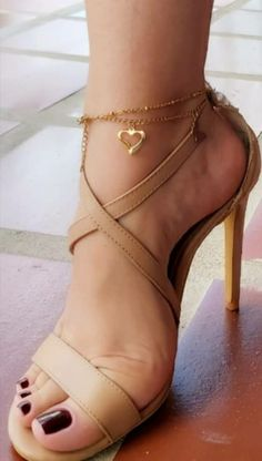Stilettos, Stiletto Heels, Beautiful Toes, Pretty Toes, Feet Soles, Women's Feet, Sexy Legs And Heels, Sexy High Heels, Perfect Definition
