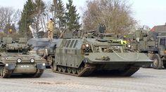 fv 107 scimitar next to Challenger CRARRV Rhino