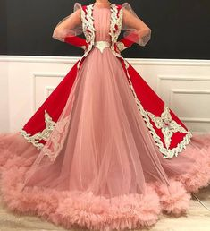 gowns for women Oscar Dresses, Evening Dresses, Beautiful Gowns, Beautiful Outfits, Quinceanera Dresses, Prom Gowns, Dress Outfits, Fashion Dresses, Long Dress Design