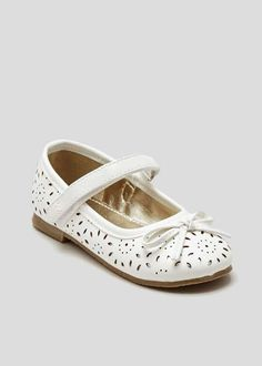 Younger girls cut out ballet shoes in white with velcro strap fastener and bow to the centre front. Girls Cuts, Matalan, Velcro Straps, Little People, Ballet Shoes, Kids Outfits, Footwear, Flats, Shopping
