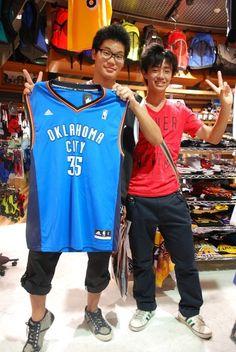【大阪店】2014.08.17 NBA大好きなお客様です^^夏休みで一番の買い物になってたら嬉しいです!!また遊びに来て下さいね!!