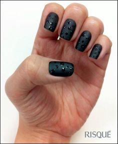 Nail art tutorial: preto fosco com poá - Blog